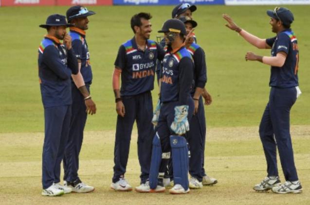 IND vs SL: क्रुणाल पांड्या के बाद दो और भारतीय खिलाड़ी निकले कोरोना पॉजिटिव, बढ़ी टीम इंडिया की मुश्किलें